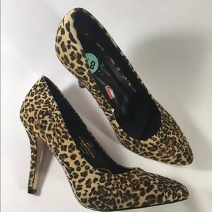 Nicole Miller Women's Leopard Pumps Size 8.5 New
